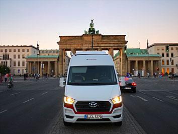 #camperliebe vor dem Brandenburger Tor